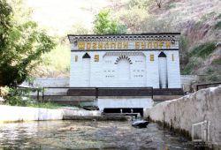 Целебные воды в Святилище Фозильмон ота